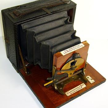 Lancaster & Son Le Merveilleux 1/6 Plate 1900 - Cameras