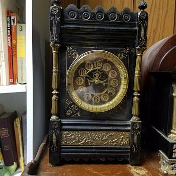 Ansonia  cario - Clocks