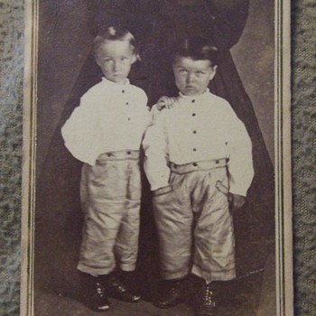 Pair of cdv images - Photographs