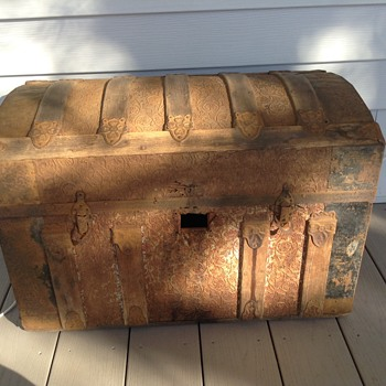 Newly acquired trunk - Furniture