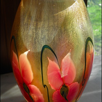 "Daniel Lotton ""Sunset Gold"" Vase - Art Glass"