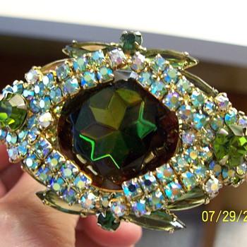 Vintage Costume Jewelry - Costume Jewelry