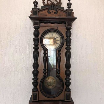 Anybody give me some history on this? - Clocks