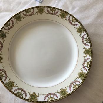 Noritake China set - China and Dinnerware