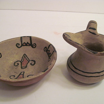 Can you assist with Pueblo Identification and Age of Pottery? - Native American