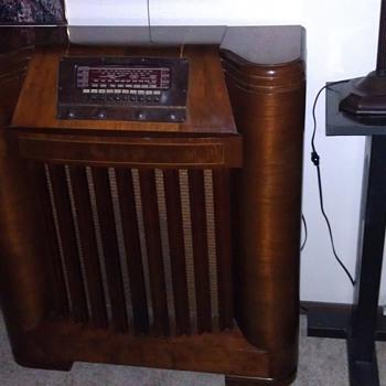 Philco Radio 42-395 - Radios