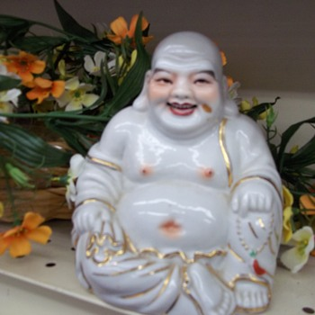 ISN'T THIS LITTLE FELLOW SO  NICE? Exuse my questioning--is this Buddha?? - Asian