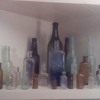 Bottles and pottery I've dug the last week - Bottles