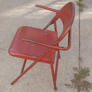 Folding steel captain's chair - Furniture