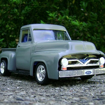 1955 Ford F-100 Pickup - Model Cars