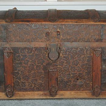 1937 Trunk?  - Furniture
