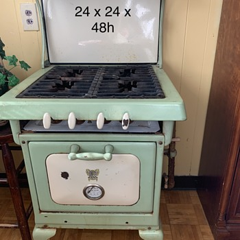 1922 Wincroft Gas Stove  - Kitchen