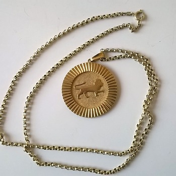 Frederich Speidel Lion Medallion & Chain $2.00 - Fine Jewelry