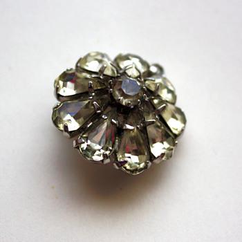 Vintage pin / pendant