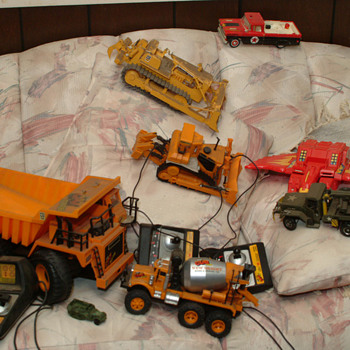 New Bright Cat 160,777b,992 and others - Toys