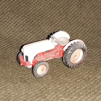 Greenlight Down On the Farm Series 2 1948 Ford 8N - Model Cars