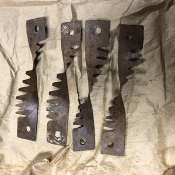 Old barbed fence indicators - Tools and Hardware