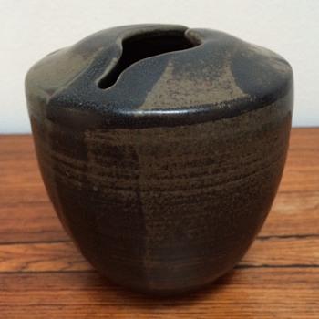 Stonewarevase unidentified signature - China and Dinnerware