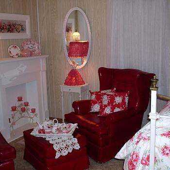 Beautiful Half-Doll Lamp - Lamps
