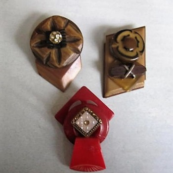 Online purchase: Upcycled bakelite, celluloid, rhinestone buttons and buckles - Costume Jewelry