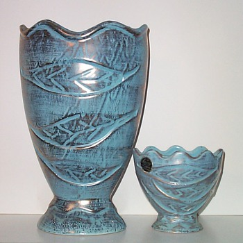 SAVOY CHINA - TWO SIZES IV - Pottery