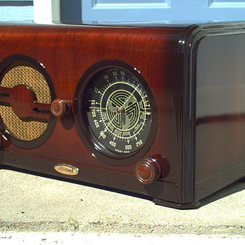 1935 ADMIRAL MODEL A-31 RADIO