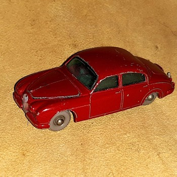 More Mainly Mini Matchbox Monday MB-65 Jaguar 3.4 Litre 1962-64 - Model Cars