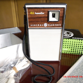 Three Nice Transistor Radio's in Original Boxes