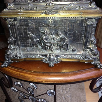 Antique silver jewelry box - Silver