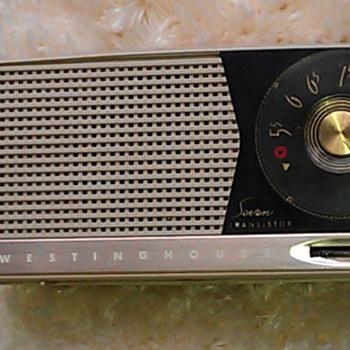 Westinghouse H617P7 - 7 transistor portable - Radios