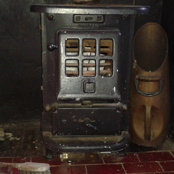 A 1930 Sunbeam stove, water heater and toddler-basher