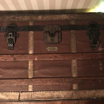 Langmuir luggage - Furniture