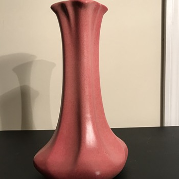 Haeger pottery vase 1929 - Pottery