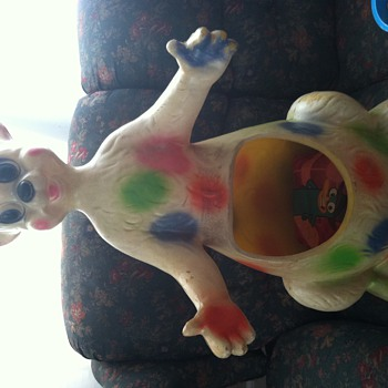 Is it a kangaroo, mouse, kangaroo rat? toy chest or planter? - Toys