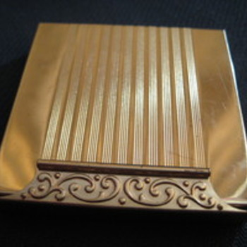Vintage square gold AVON powder compact with scrollwork with latch closure - Accessories