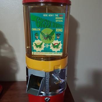 Vendorama Vending Machine - Coin Operated
