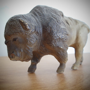 Viscoloid Bison (Buffalo) - Figurines