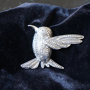 Hummingbird Pin - Costume Jewelry