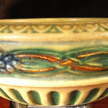 "Roseville Corinthian 6"" bowl - Pottery"