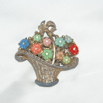 Pot Metal Vintage Brooch - Costume Jewelry