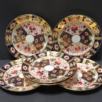 Imari Pattern Plates - 19th Century - China and Dinnerware