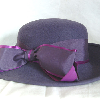 The T. EATON Co Limited, Winnipeg Vintage Andre Hat