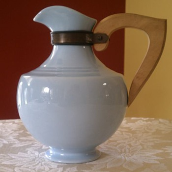 Pitcher with brass and wooden handle - Art Deco