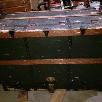 My Stelllman Dresser Trunk - Furniture