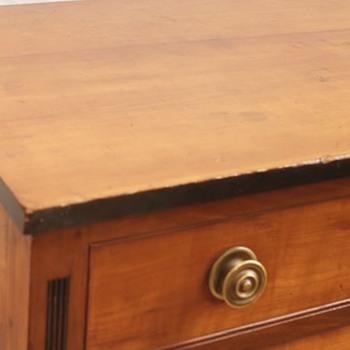 Sheridan cherry chest of drawers 1800s - Furniture