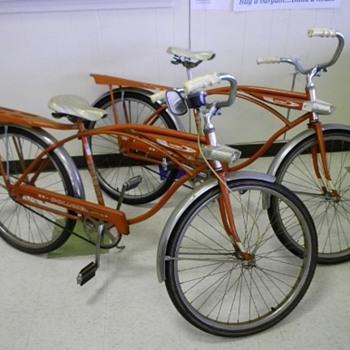 2 Matching Columbia Boys Bikes - Sporting Goods