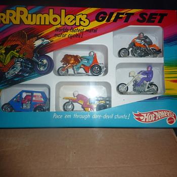 please help.vintage hot wheels ramblers gift set mint condition