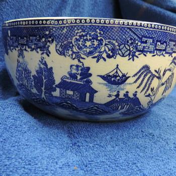 Moriyama Blue Willow Stacking Bowls