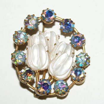 Vintage AB Rhinestones and Mother of Pearl Brooch - Costume Jewelry