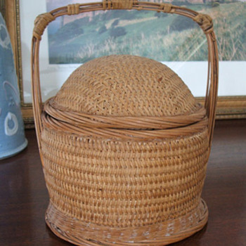Cute basket I found and don't know anything about it. - Sewing